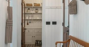 Recreating the Look of an Old Farmhouse in Kansas - #farmhouse #Kansas #Recreati...